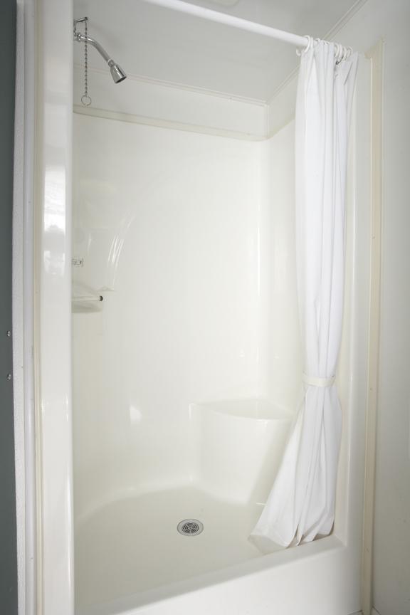 Shower-Trailer-37ft